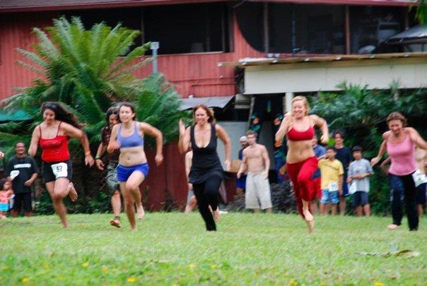 girls-sprinting