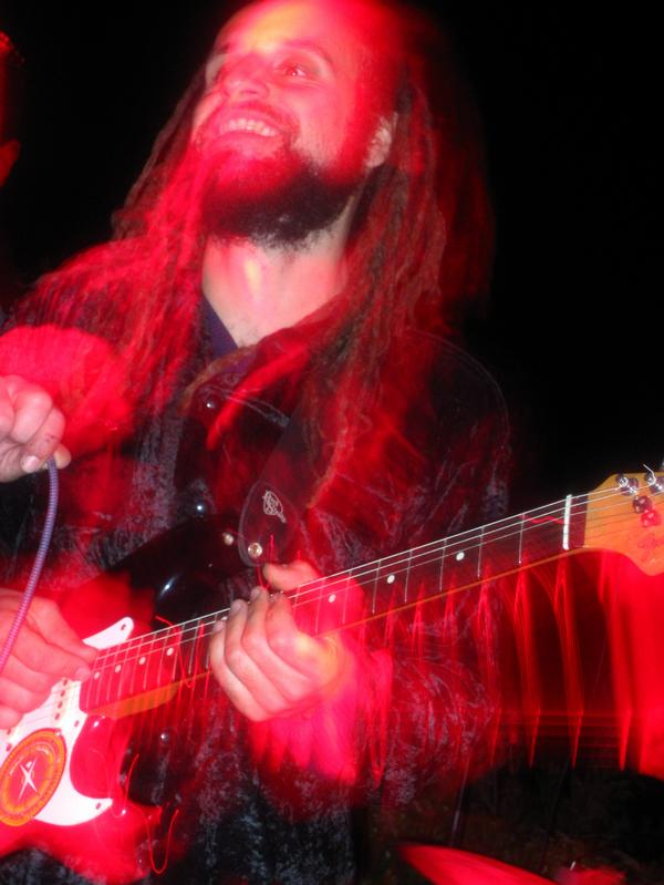 ilan-red-guitar